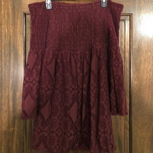 MOSSIMO MAROON OFF THE SHOULDER DRESS!!